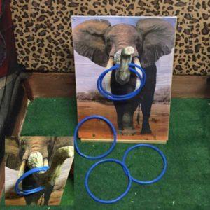 aktivitetslåda elefant elefantsnabel kasta ringar